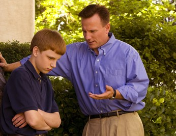 father-angry-son_1170246_inl